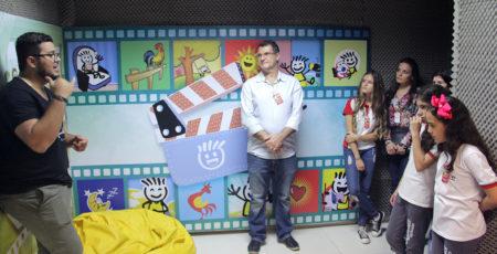 Colégio visita Casa Durval Paiva